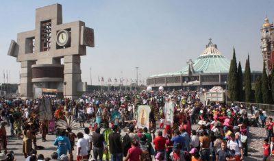 Peregrinos que iban a la Basílica de Guadalupe son atropellados por imprudente conductor