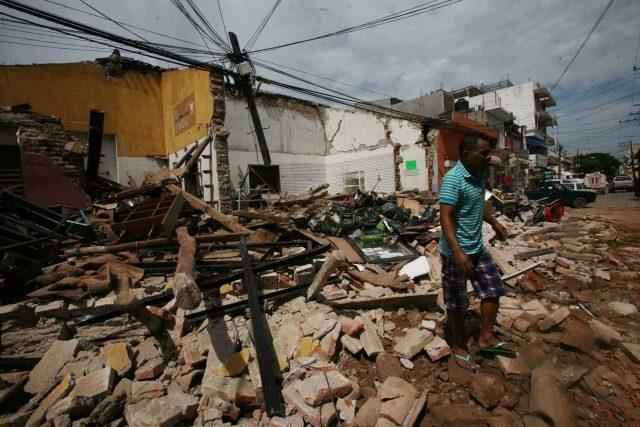 Entre escombros recibirán damnificados de Oaxaca el Año Nuevo