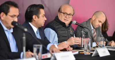 Graco Ramírez plantea estrategia nacional para elevar los salarios del país