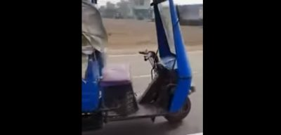 Mototaxi fantasma aterroriza a todos en la India (Video)