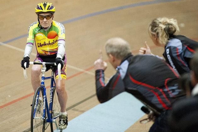 Insólito: ciclista francés se retira a los 106 años