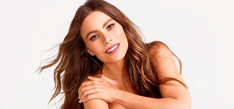a716962013 Sofía Vergara luce bikini de su propia línea de lencería (Foto)