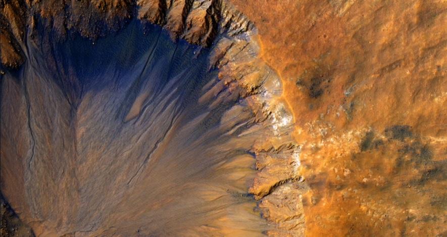 NASA revela que el planeta Marte oculta agua en su interior