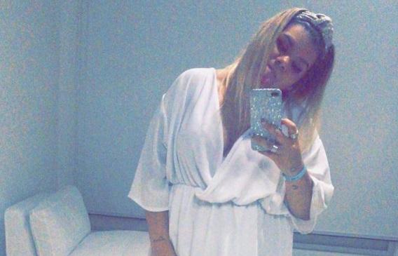 Morena Rial muestra picantes fotografías en bikini
