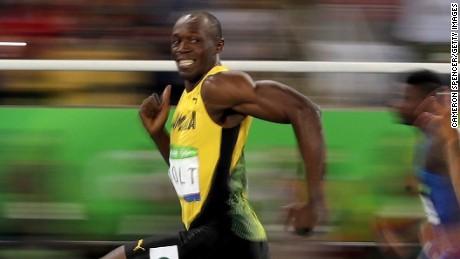 Usain Bolt buscará este año enrolarse en el futbol