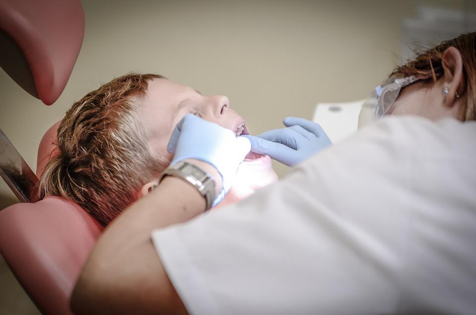 Niña pierde parte del rostro por culpa de una infección bucal
