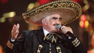 <i>Acá entre nos</i>: Dan tremendo pastelazo a Vicente Fernández (VIDEO)