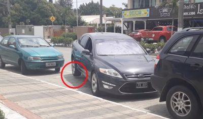 Automóvil flota sin razón y atemoriza a todos en Facebook (VIDEO)