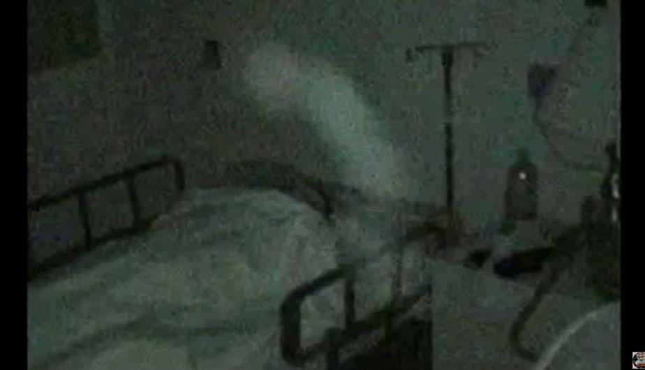 Captan escalofriantes apariciones en hospitales y causan terror en las redes (VIDEO)