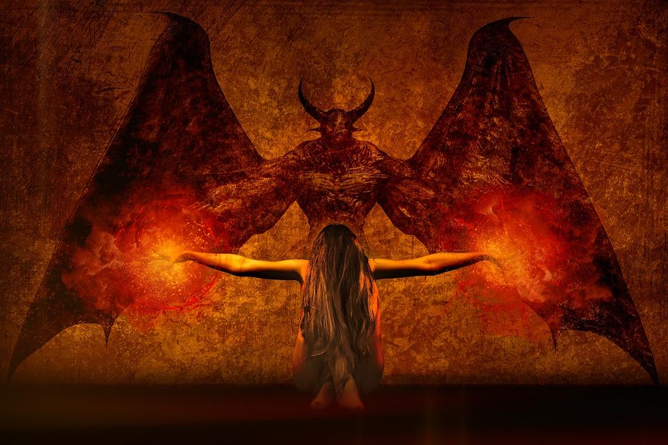 Conoce al exorcista de Neza que ha causado impacto