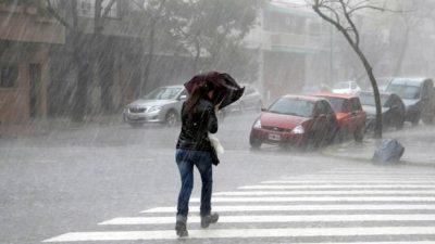 Fuertes lluvias azotan zona oriente de Estado de México