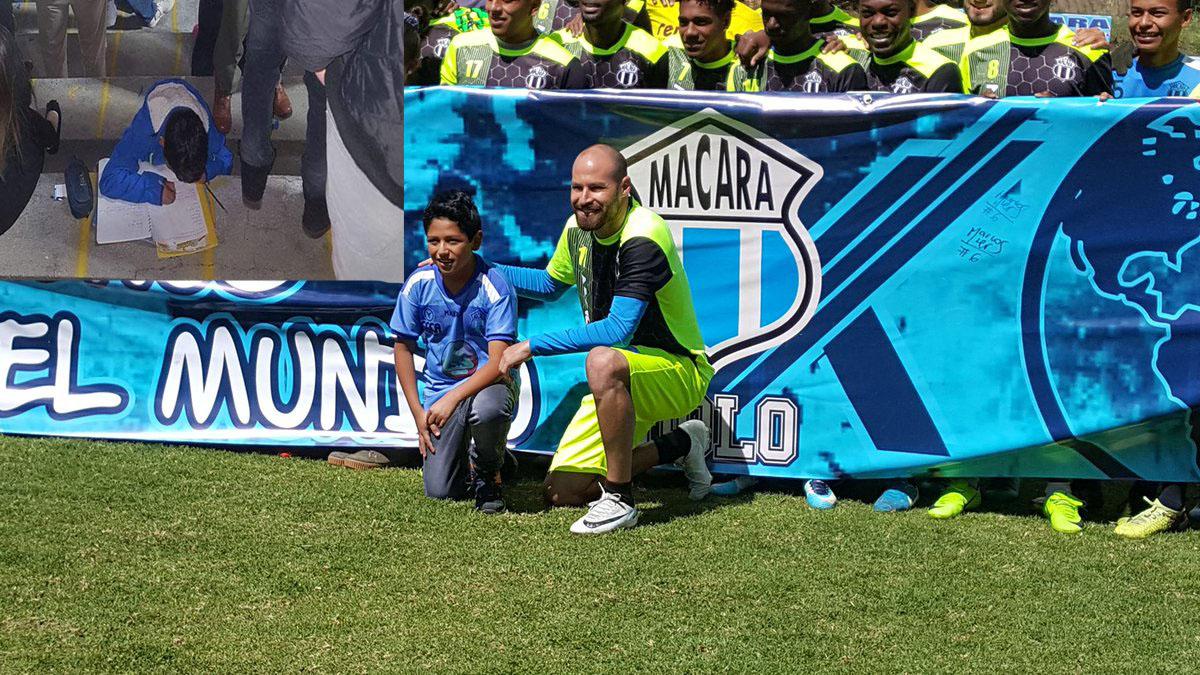 Equipo de futbol premia a niño que hizo su tarea en el estadio (FOTOS)