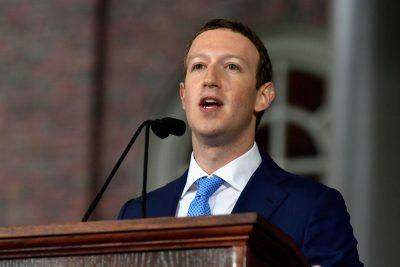 Así <i>sobrevivió</i> Zuckerberg a 5 horas de interrogatorio en el Senado