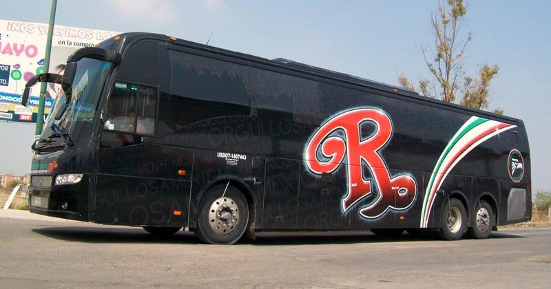 Secuestran autobús de exintegrante de la Banda El Recodo (FOTOS)