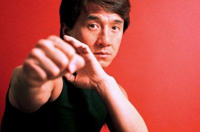 De la orfandad al estrellato: La increíble historia de Jackie Chan (FOTOS)