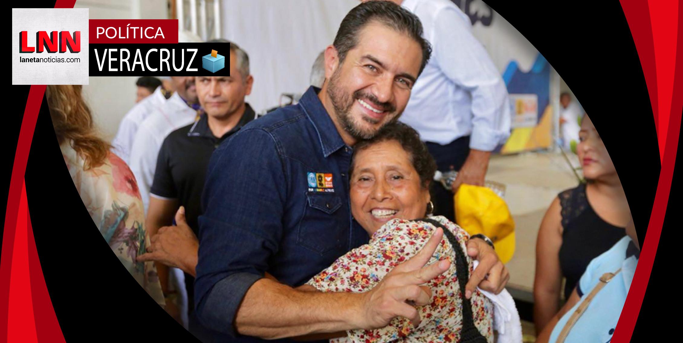Yunes Márquez promete créditos para vivienda a los maestros veracruzanos