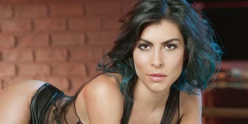 María León desata lujuria con sugerente pose de 'cabeza' (FOTO)
