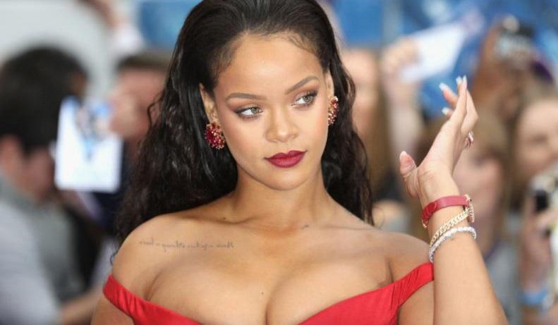 Rihanna estremece redes con picante y diminuta lencería (FOTOS ... 447968c08783