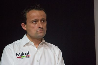 <i>¡Le fue como en feria!</i>: abuchean a Mikel Arriola en la Ibero