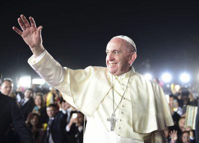 Papa Francisco reprueba la política migratoria de Donald Trump