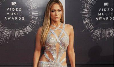 Jennifer Lopez <i>devora</i> sus leggins con prominente retaguardia (FOTO)