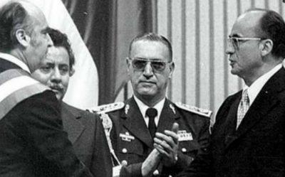 Reportan estado de salud grave de expresidente Luis Echeverría y redes lo liquidan