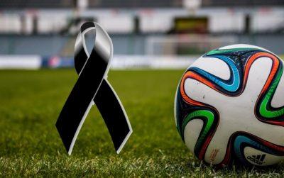 Tragedia en el futbol: jugador muere tras desplomarse en pleno partido