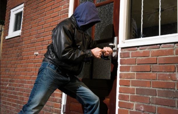 <i>¡Ten cuidado!</i> Mira cómo operan las bandas colombianas que saquean casas