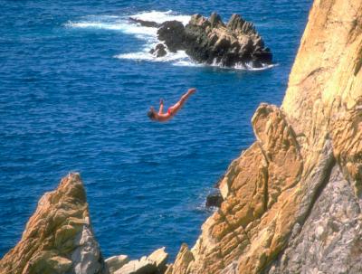 La Quebrada: un clavado al abismo de las playas acapulqueñas