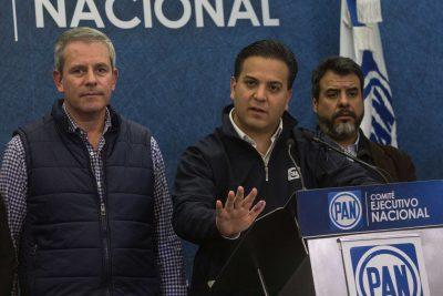 Damián Zepeda arremete contra delegados de AMLO