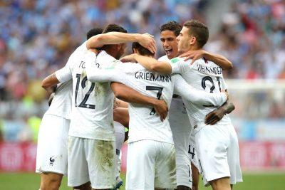 Francia vence a Uruguay 2-0 y avanza a las semifinales del Mundial