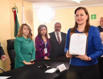 Martha Erika recibe constancia de mayoría como gobernadora de Puebla