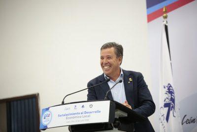 Gobernador de Guanajuato descarta buscar dirigencia del PAN