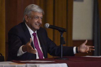AMLO pide a gobernadores no ser fantoches
