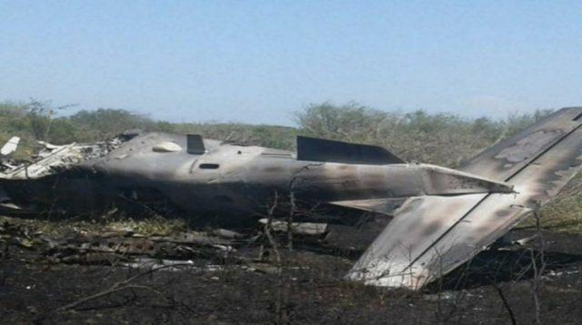 Se desploma avión de la Fuerza Aérea Mexicana en Oaxaca
