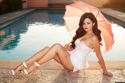Selena Gomez desata <i>calentura</i> en internet con apretados leggins