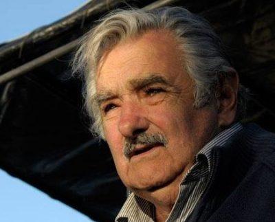 Pepe Mujica pide licencia antes de morir por su avanzada edad