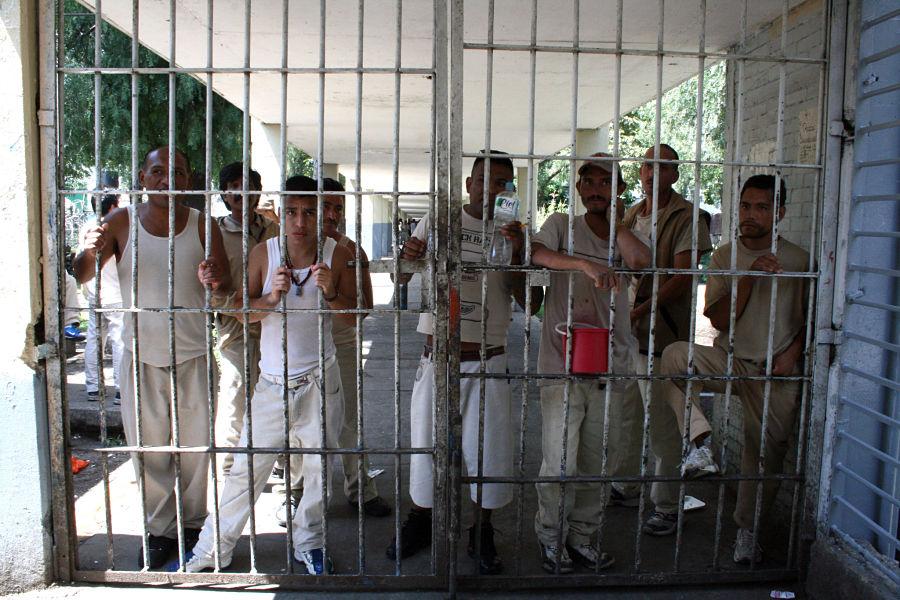 Estos son los planes de Alfonso Durazo para mejorar las cárceles del país