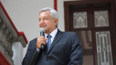 AMLO llega a Palacio Nacional para reunirse con Peña Nieto