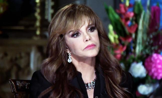 Lucía Méndez se pelea con cantante por defender a Luis Miguel