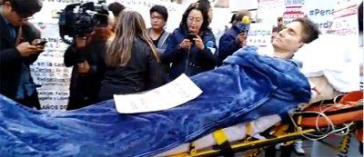 Manifestante pide apoyo a AMLO tras quedar cuadripléjico por brutal golpiza