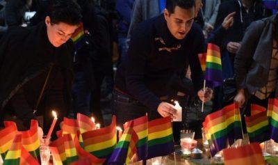 Diez hombres asesinan a golpes a joven por ser homosexual