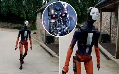 <i>¿La rebelión de las máquinas?</i> Robot humanoide estremece las redes (VIDEO)