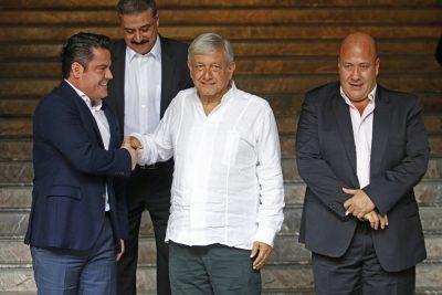 AMLO promete nueva línea del metro y terminar obras inconclusas en Jalisco