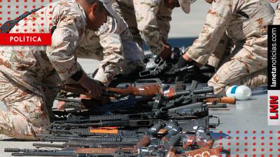 Ricardo Monreal propone cárcel a quien use armas del Ejército