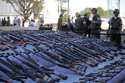 Senado recibe iniciativa para reformar ley de armas