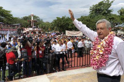 AMLO anuncia 10 universidades públicas para municipios pobres de Oaxaca
