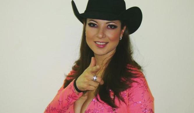 ¿Recuerdas a la vocalista de Priscila y sus Balas de Plata? Así luce y esto hace