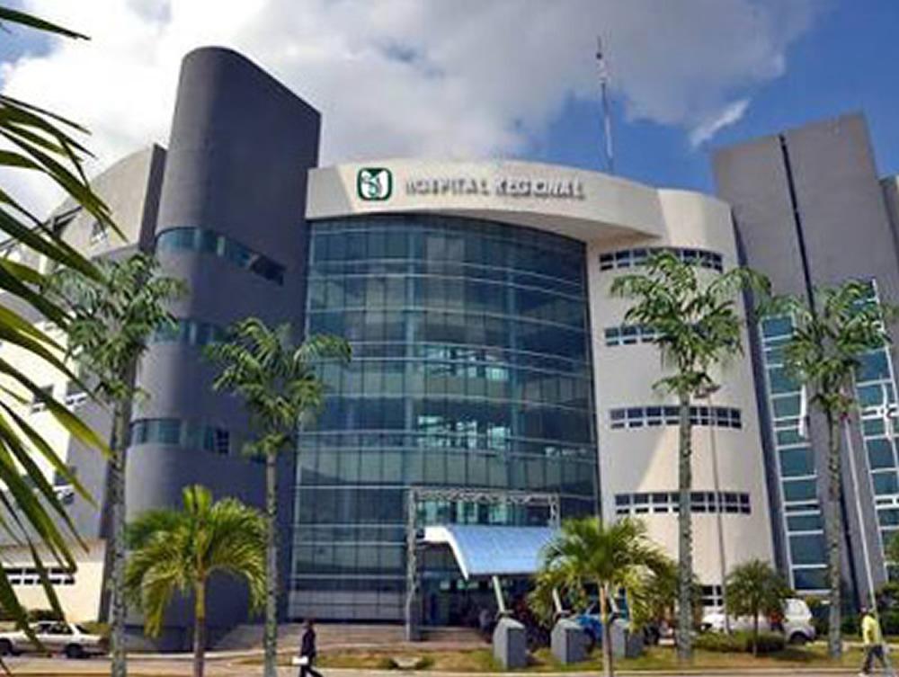 El hospital perteneciente al Instituto Mexicano del Seguros Social en Bahía de Banderas está en construcción de su segundo nivel, el cual será capaz de atender a 300 mil derechohabientes, tanto de Jalisco como de Nayarit; ya que Puerto Vallarta tiene un rezago en atención médica.