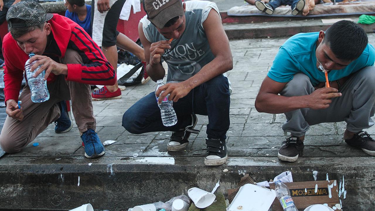 Migrantes salen de Chiapas pero… ¡dejan basurero! (VIDEO)